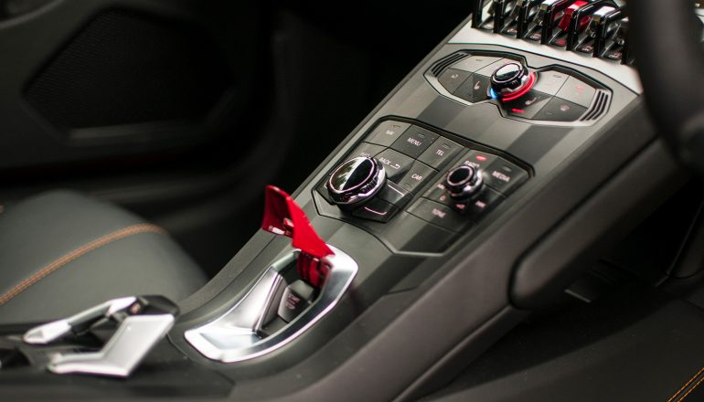 Lamborghini Huracan center console