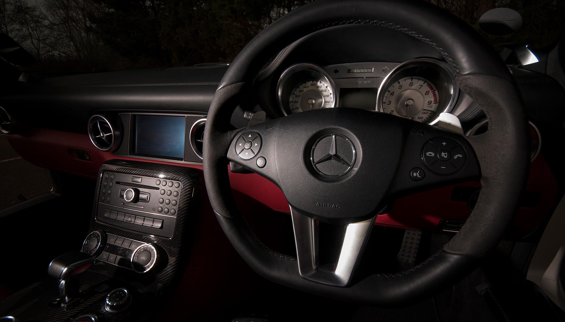 Mercedes SLS AMG Gullwing dash